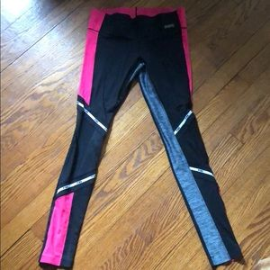 VS PINK ultimate legging